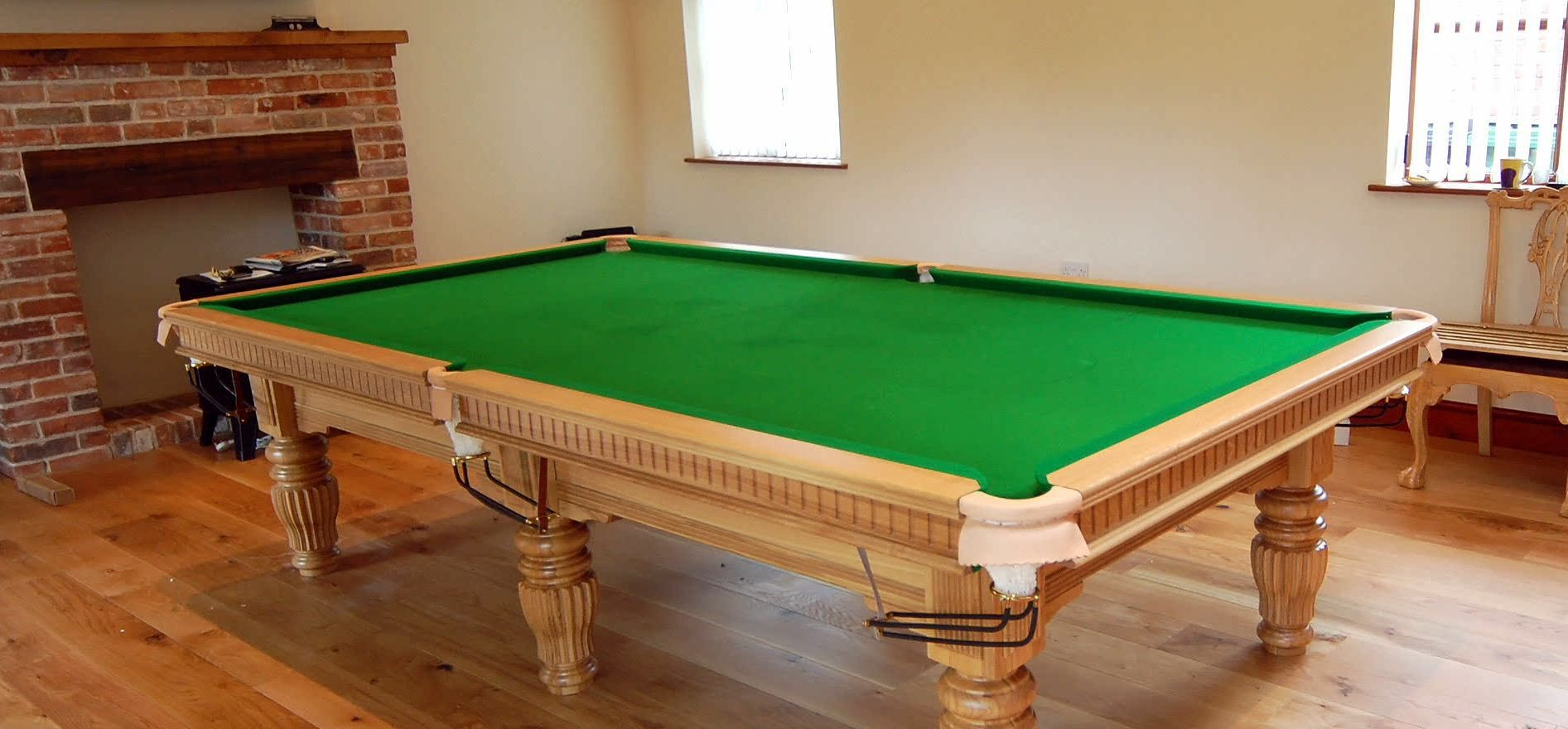 9ft Sovereign Snooker Table Solid Oak
